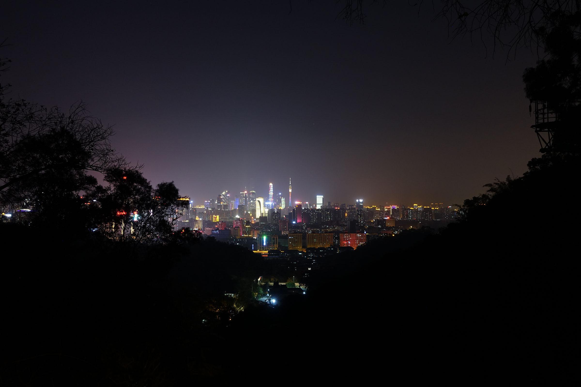 白云山夜景-山腰俯瞰广州